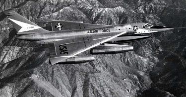Bombardeo estadounidense B-58